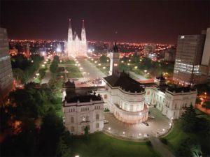 La ciudad de La Plata, mi ciudad, con toda la onda de ciudad universitaria, tranquila, a una hora de Capital Federal, es mi segundo lugar favorito en el mundo!